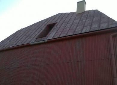 Konserwacja blaszanego dachu budynek OSP Ujsoły