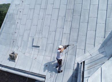 oczyszczanie dachu myjką ciśnieniową