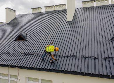 Malowanie dachu Szkoła Podstawowa w Łękawce